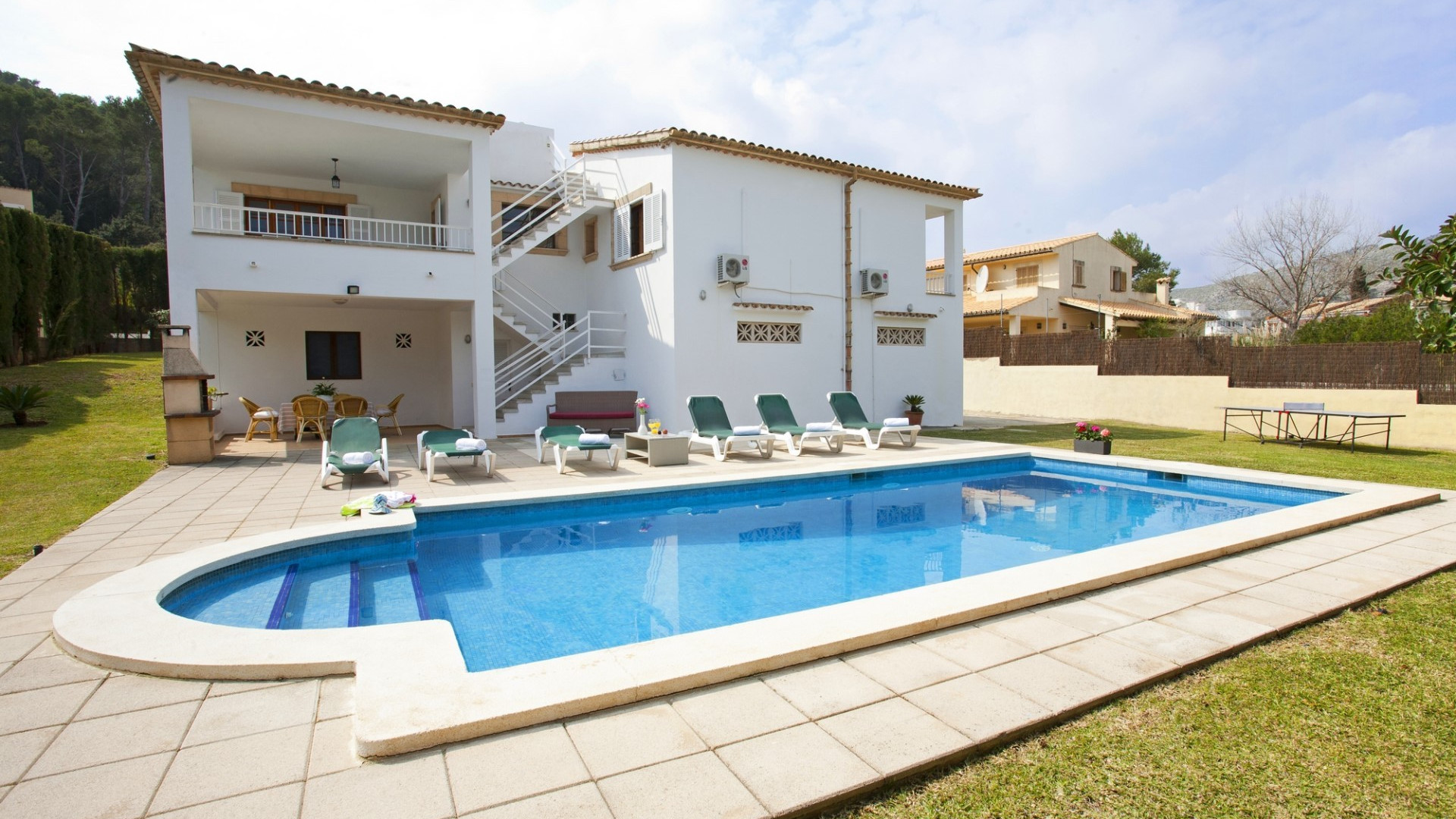 Traditional 4 Bedroom Villa Pollenca Private pool & Walking Distance To Beach