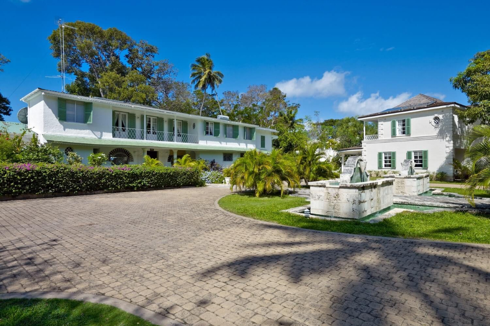 Driveway and Fountains of 8 Bedroom Beachfront in St James with Speed Boat & Private Pool