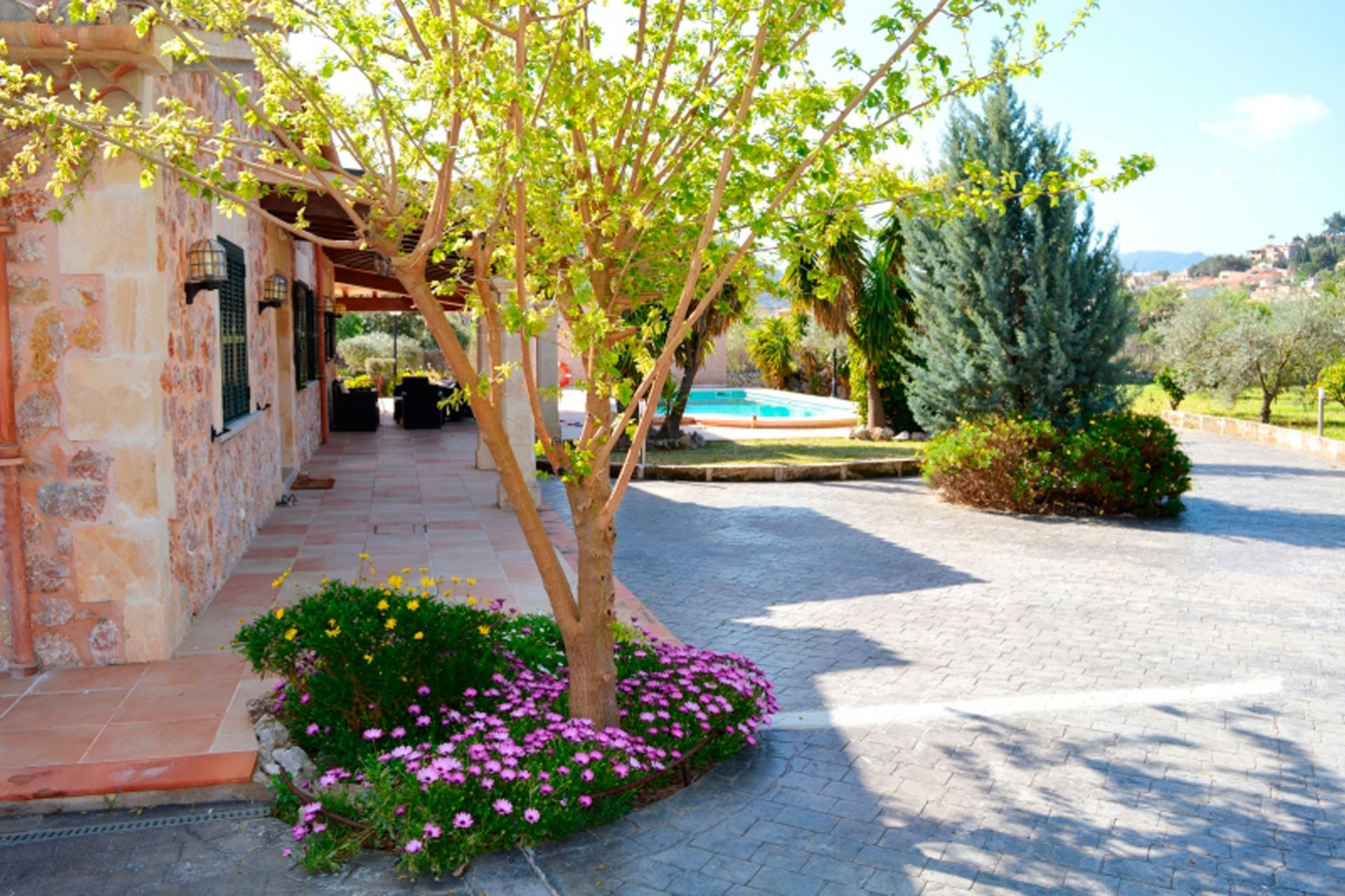 Large 3 Bedroom Villa Pollenca Close to Amenities With Private Pool