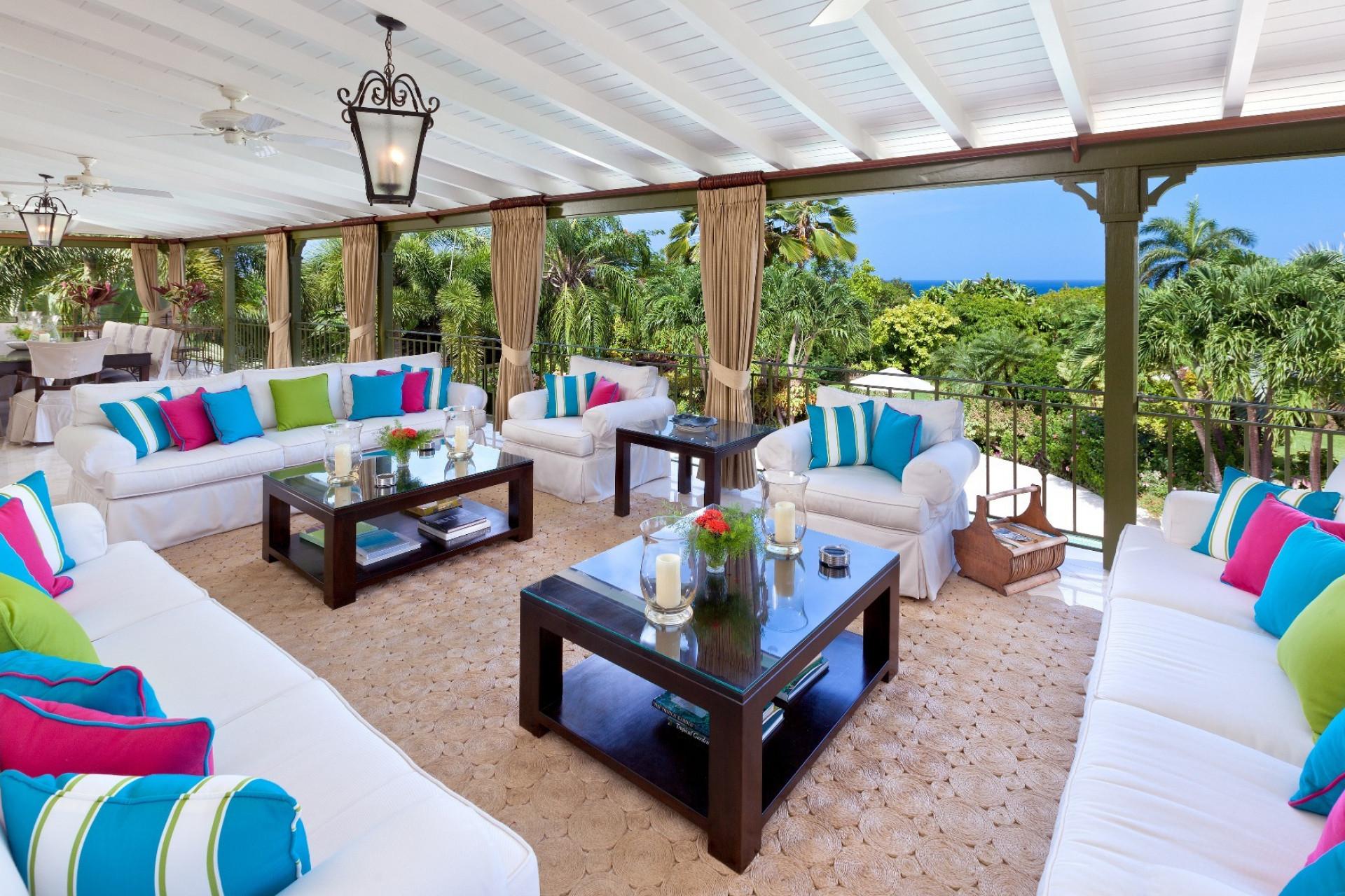 Luxury 5 Bedroom Villa Sugar Hill Large Swimming Pool & Tropical Garden