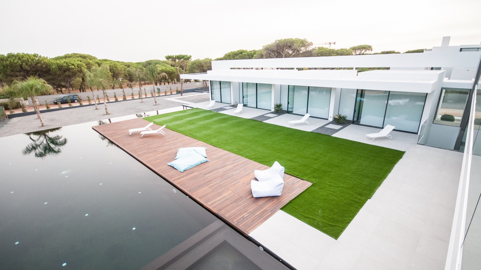 6 Bedroom Modern Vilamoura Heated Private Pool & Close To Beach And Amenities