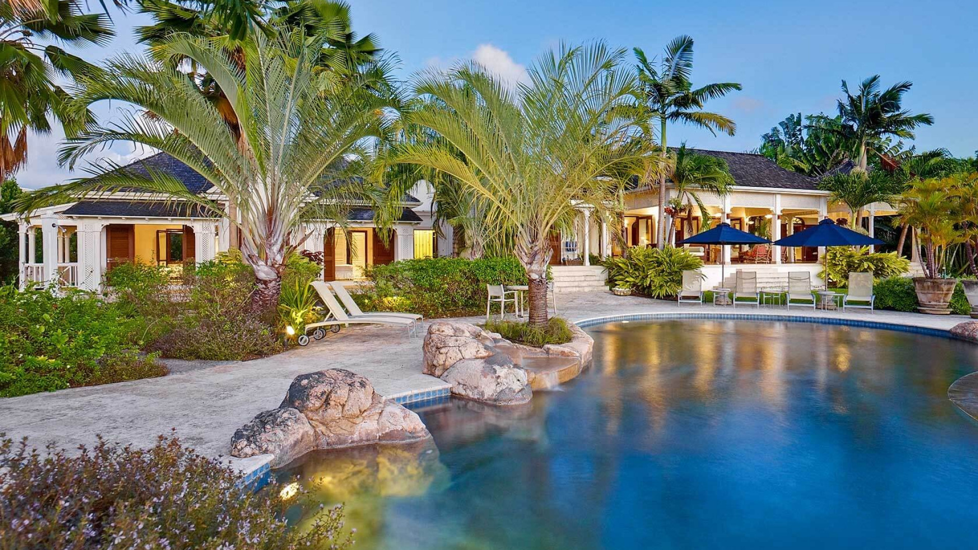 Luxury 6 Bedroom Villa Sugar Hill With Infinity Pool with Slide