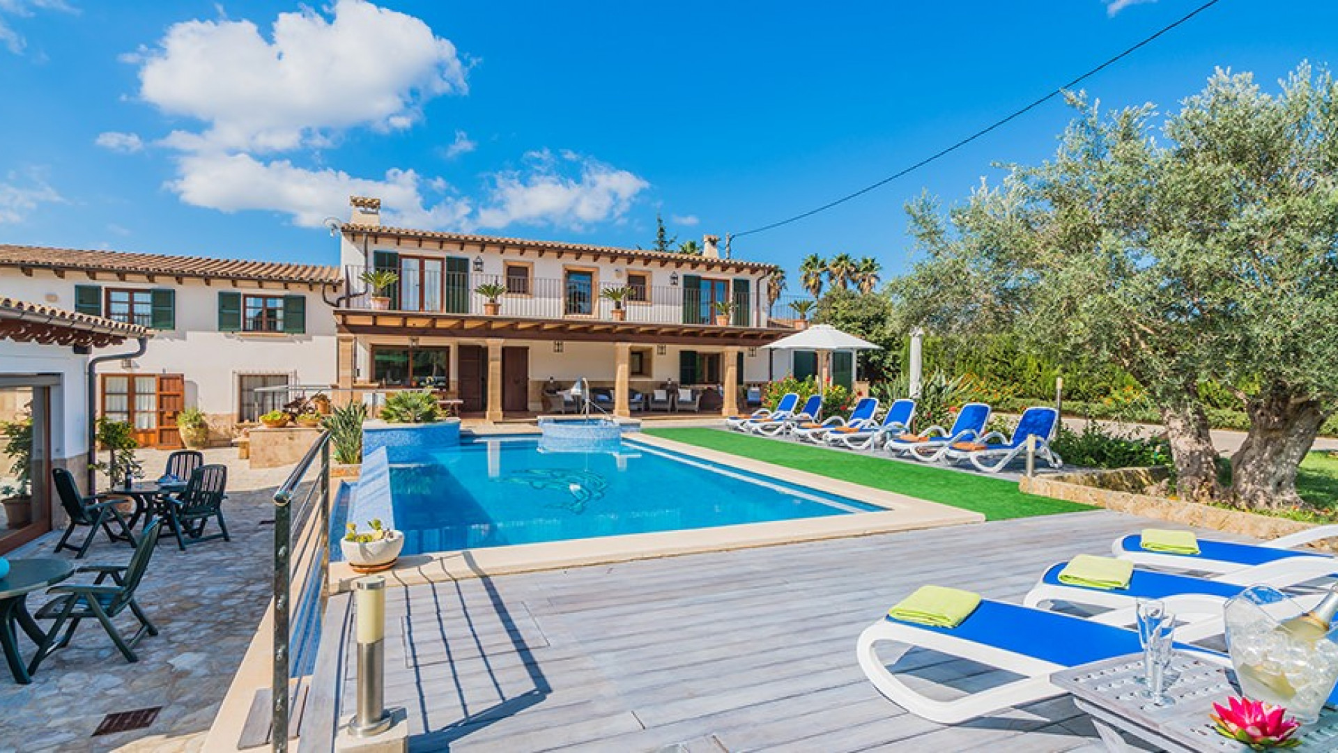 Luxury 5 Bedroom Villa Pollenca  Large Private Pool And Views