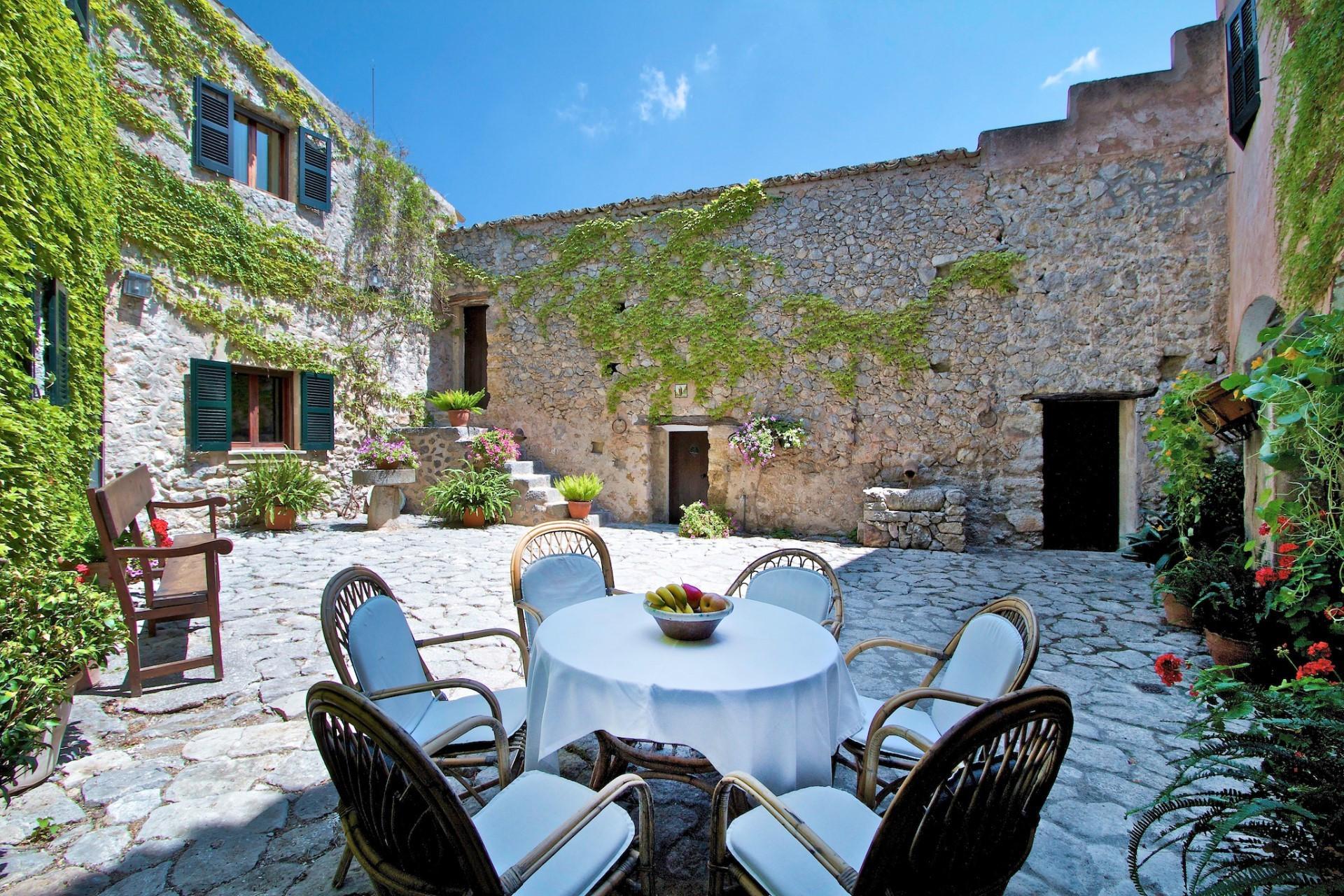 6 bedroom Villa Pollenca Olive Estate With Swimming Pool