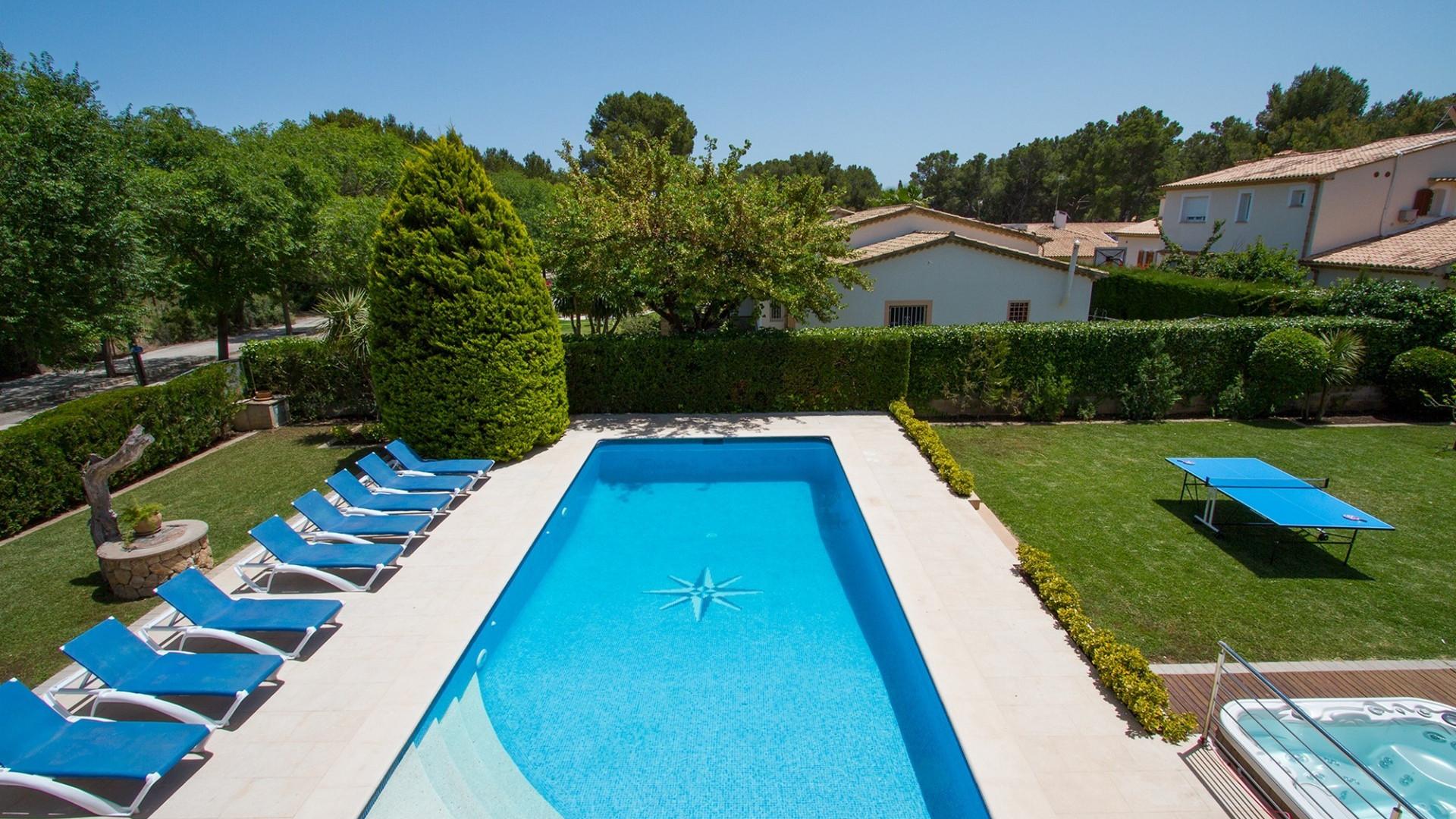 Luxury 4 Bedroom Villa Pollenca Private Pool & Jacuzzi