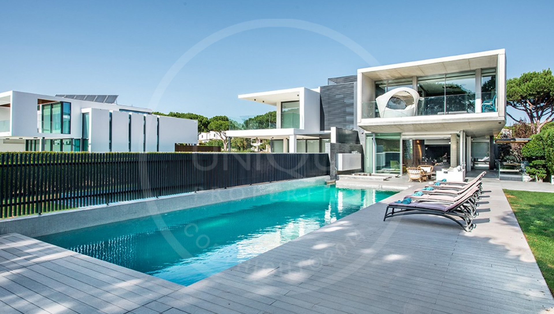 Luxury 4 Bedroom Villa Vilamoura With Private Pool And Walking Distance To The Marina