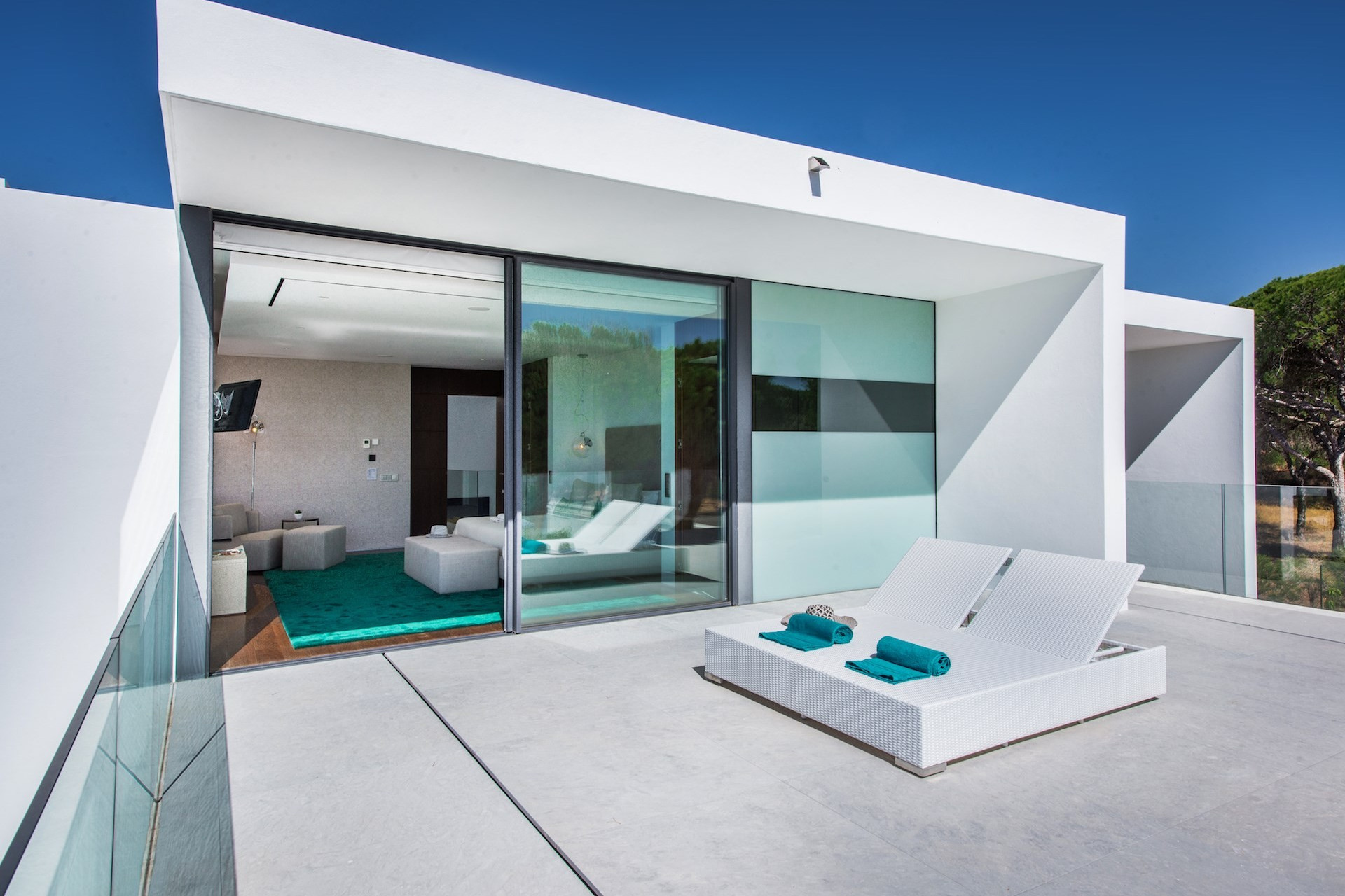 luxury villas in portugal near beach