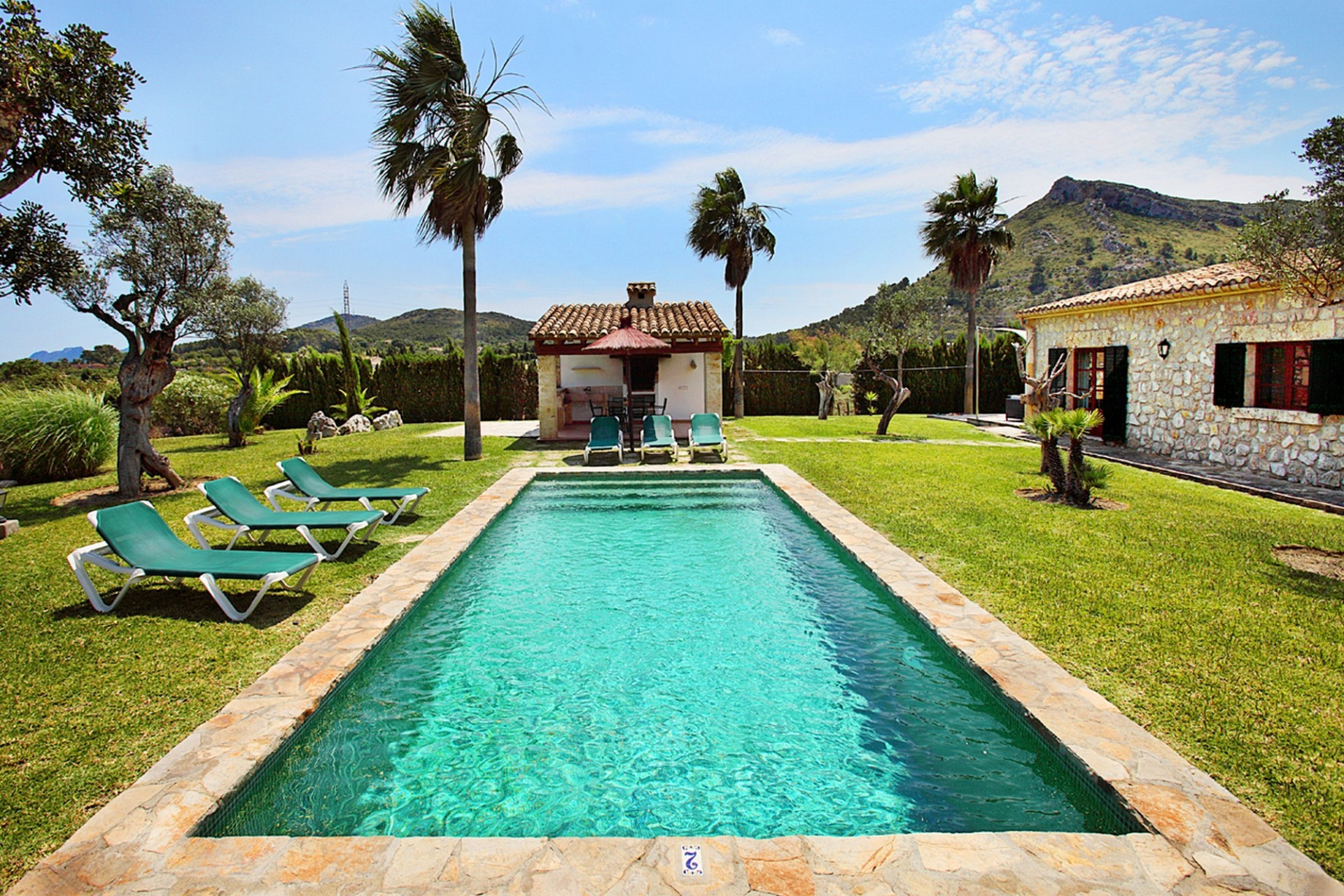 Luxury 3 Bedroom Villa Pollenca With Large Private Pool Close To The Port