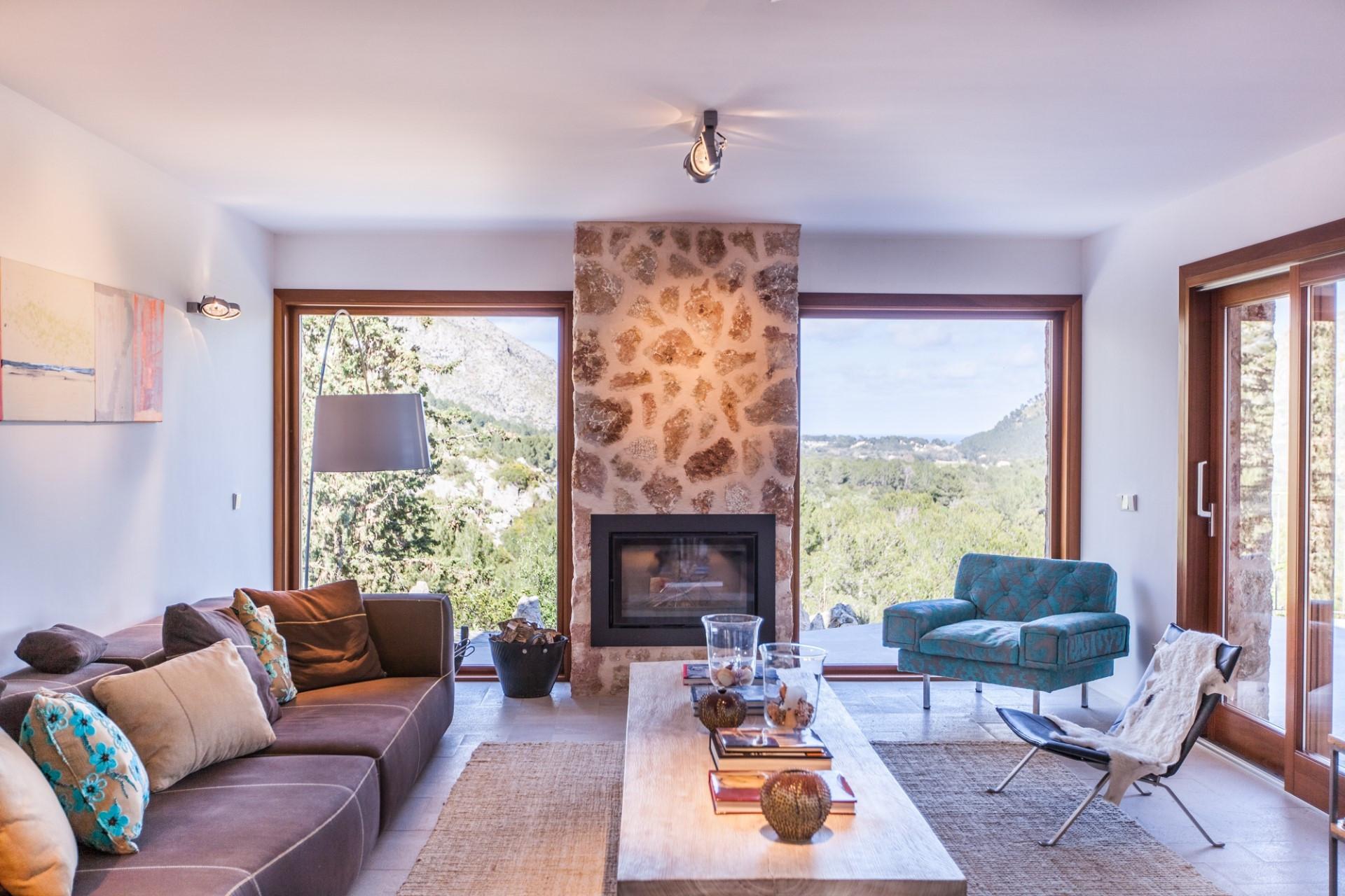 Luxury  5 Bedroom Villa Pollenca Close To Amenities & Infinity Pool