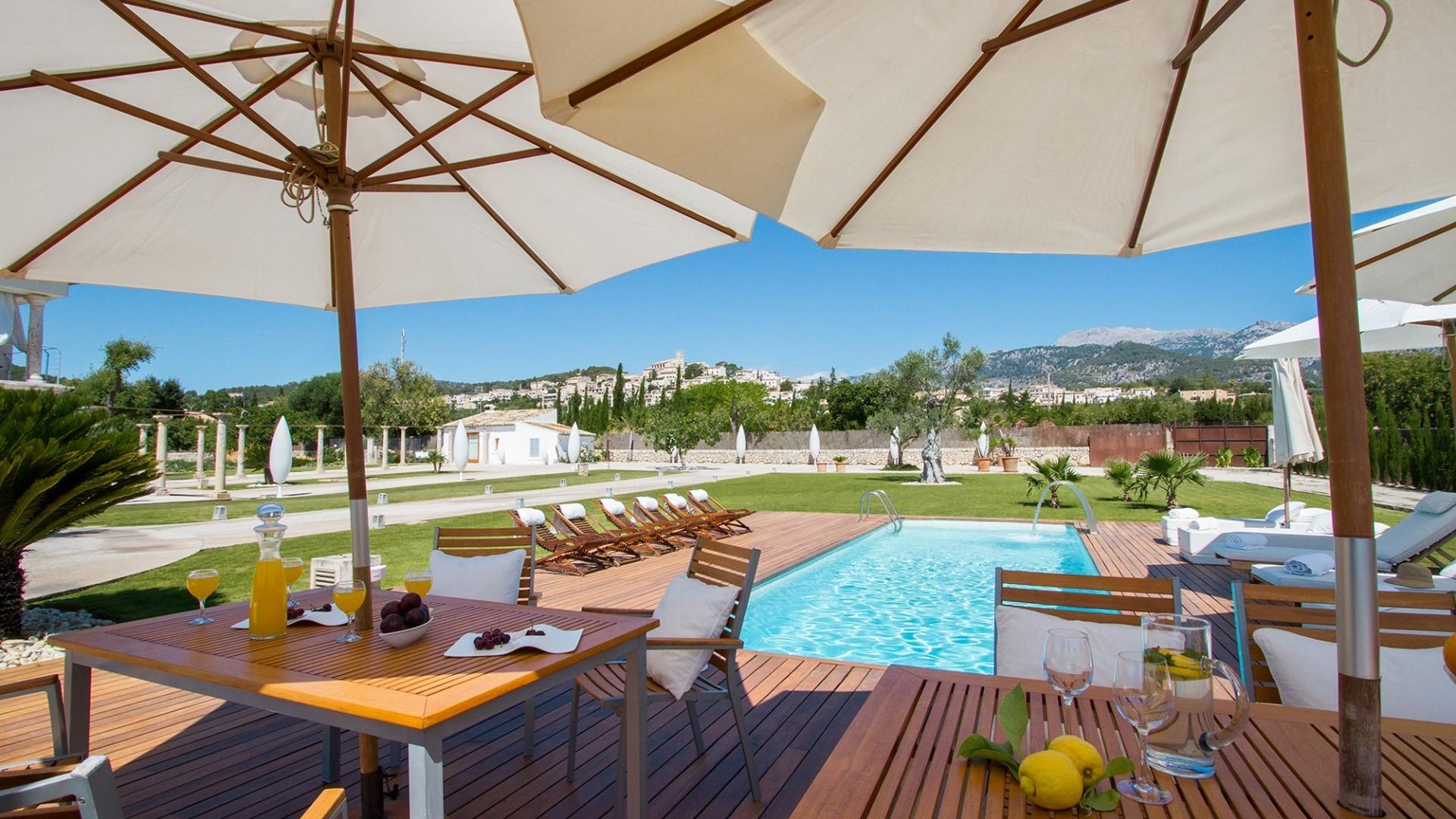 Luxury  4 Bedroom Villa Selva Modern Villa With Jacuzzi & Private Pool