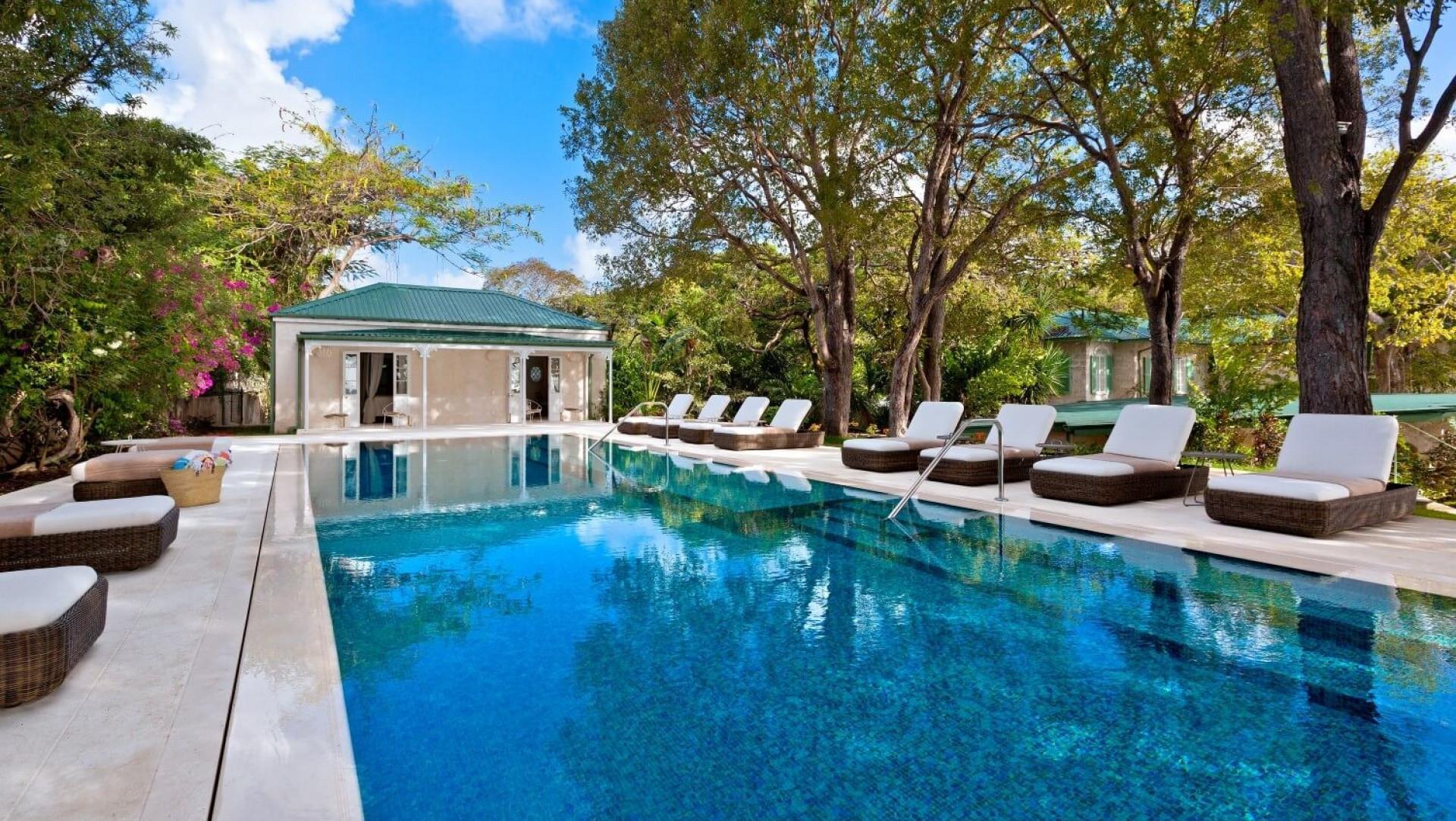 8 Bedroom Villa