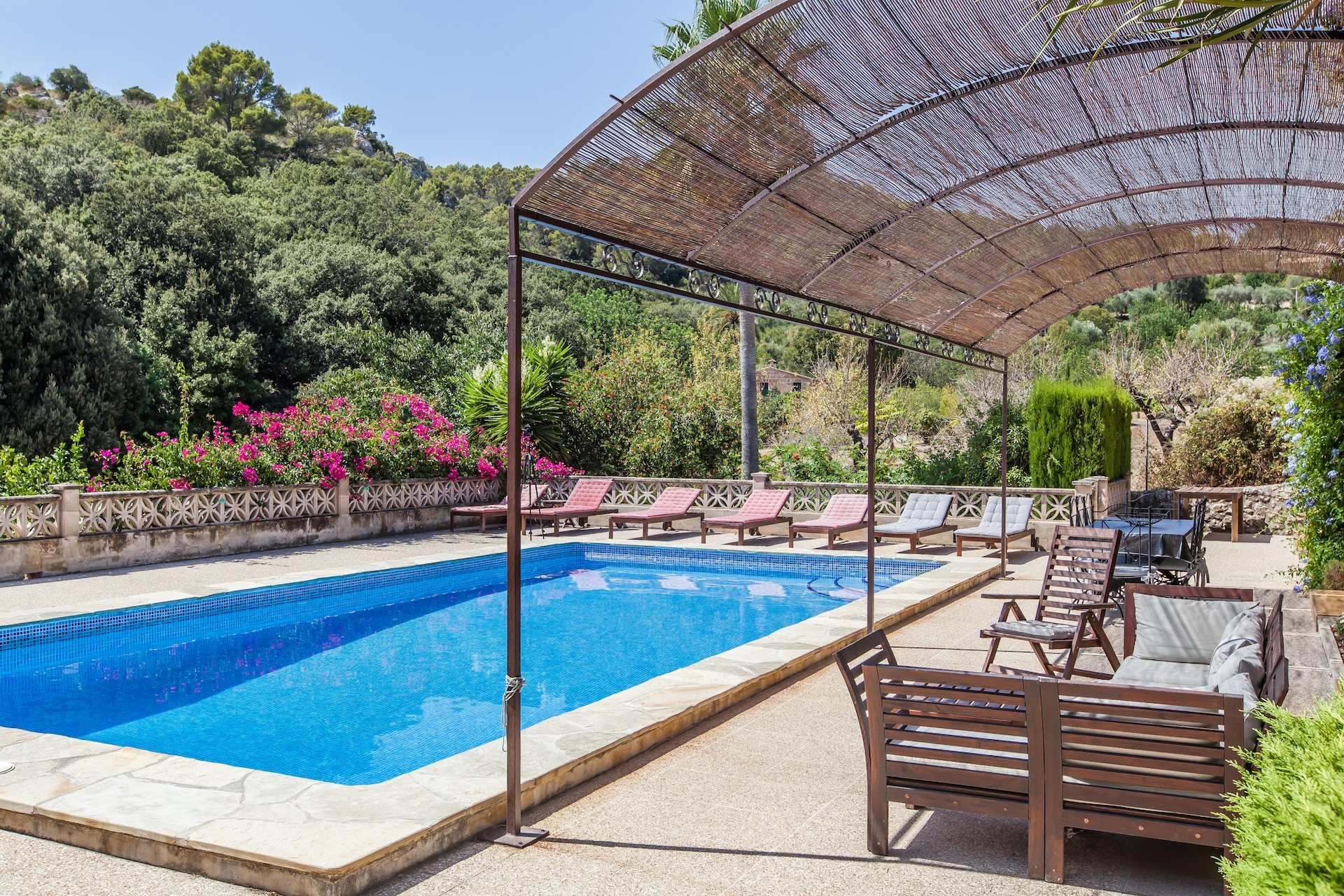 Traditional 5 Bedroom Villa Pollença Luxury Villa With Pool Close To Golf Course