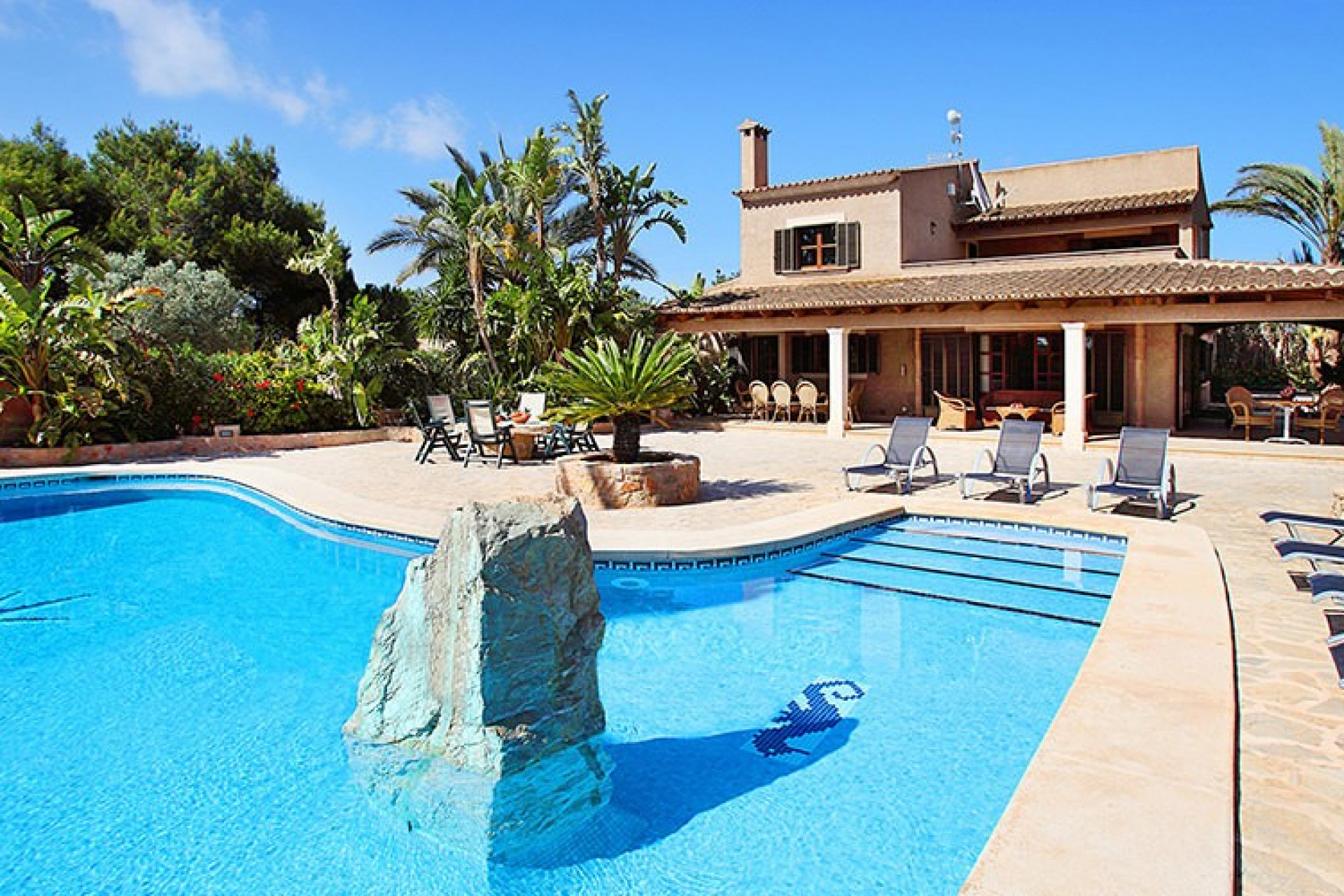 Casa De Campo is a 6 Bedroom Villa in Cala D'or Mallorca Ideal for Large Groups with Private Pool