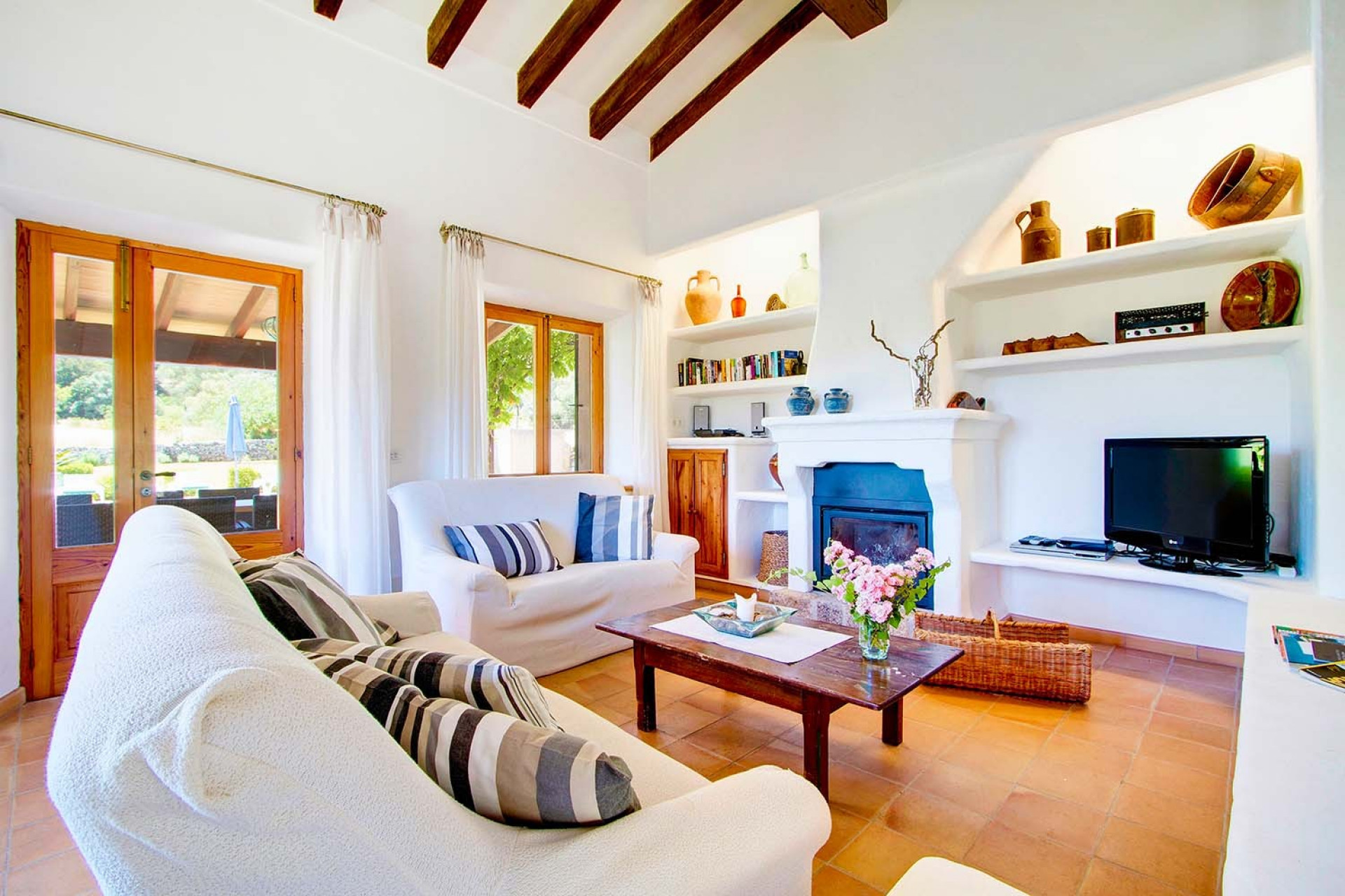 Luxury 4 Bedroom Pollenca With Private Pool And Privacy